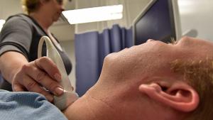 En el hipotiroidismo se produce una disminución de la producción de hormonas tiroideas.
