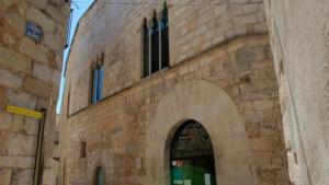 Façana de la seu del Consell comarcal de la Conca de Barberà.