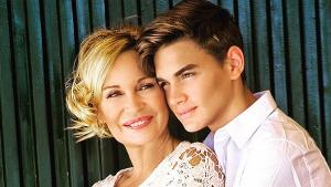 Gabriel Guevara y su madre, Marlene Mourreau