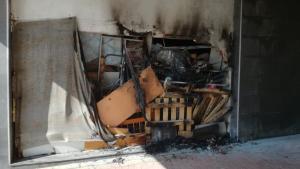 Han cremat matalassos i diversos objectes en l'incendi de Torredembarra
