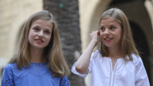 Imagen de archivo de las princesas Leonor y Sofía