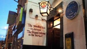 Imagen del Circus Tavern en Manchester, el bar más pequeño de Europa