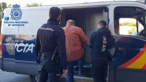 Imagen del fugitivo durante su detención en Roquetas de Mar