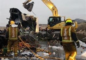 Imatge dels bombers actuant en l'accident de Novelda