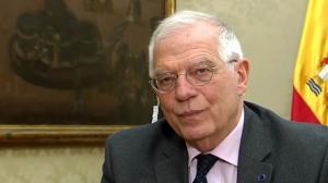 Josep Borrell demana a una presentadora que parli més a poc a poc l'anglès i que vocalitzi millor