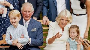 La Familia Real Británica posando en el cumpleaños del príncipe Carlos de Inglaterra