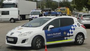 La Policia Municipal del Vendrell, fent un servei.