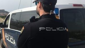 La Policía Nacional ha detenido al hombre por un supuesto delito de abusos sexuales
