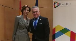 L'alcalde de Salou amb la Secretaria d'Estat de Turisme, Isabel Oliver