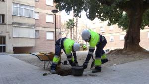 Les obres d'instal·lació de nous punts de llum al barri Fortuny de Reus ja han començat