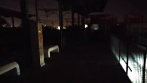 L'estació de trens de Vila-seca s'ha tornat a quedar a les fosques