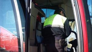 Policía Local de Elda realizando un control de la DGT