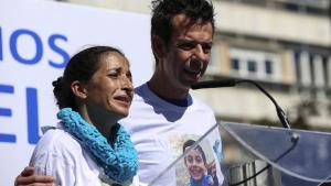 Los padres de Gabriel Cruz en la concentración celebrada en Puerta de Purchena, Almería