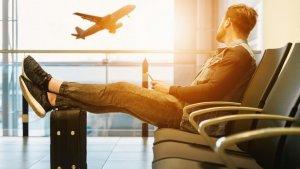Os desvelamos el mejor día y la mejor hora para reservar un avión.