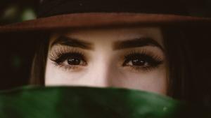Para lucir unas cejas bonitas debes conocer la forma de tu rostro