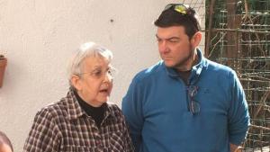 Rosa Maria Guasch, número 1 d'Avui Democràcia, acompanyada de Manel Medina, el número 2.