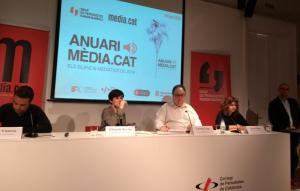 Yustres, Rovira, Casas, Oliver i Morros durant la presentació de l'Anuari Mèdia.cat 2018