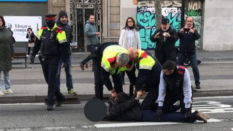 Imatge de l'home que ha estat arrestat pels Mossos a Barcelona