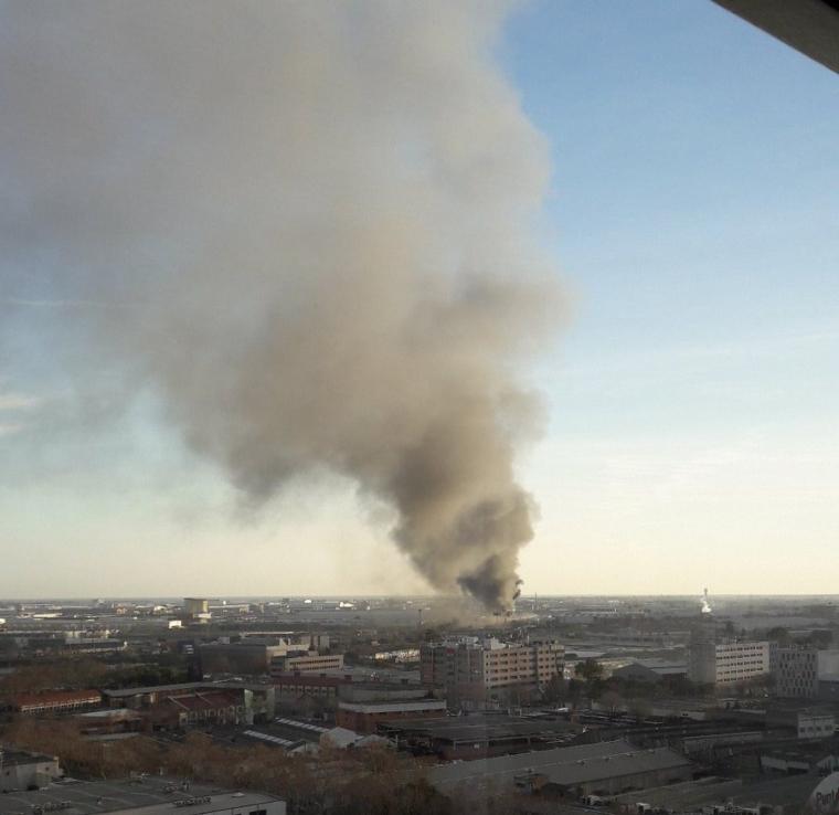 incendi seat zona franca barcelona