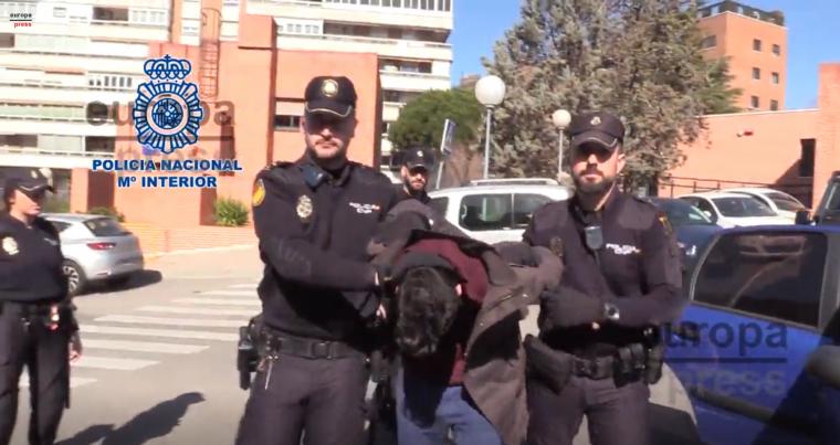 Asesino y caníbal La-policia-nacional-lo-mantiene-detenido-en-la-comisaria-de-tetuan-5c715ca7828cd