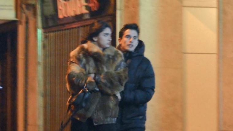 Marc Márquez i Lucía Rivera han estat enxampats pels carrers de Barcelona