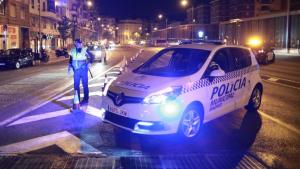 Agente y vehículo de la Policía Municipal de Madrid