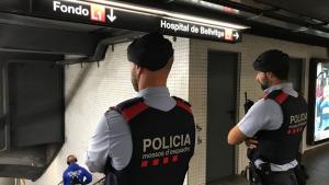 Agents dels Mossos d'Esquadra els van detenir a la línia 1 del metro de Barcelona