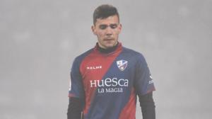 Àlex Gallar, durant un partit amb l'Osca.