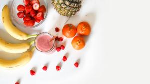 Conocemos cuántas calorías contienen 15 tipos de frutas diferentes.