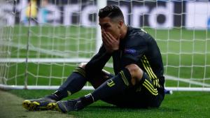 Cristiano Ronaldo es lamenta durant un partit de la Juventus.