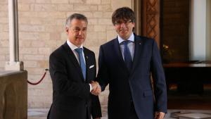 El lehendakari Urkullu i Carles Puigdemont en una imagen de archivo
