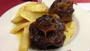 El rabo de toro es una receta tradicional andaluza.