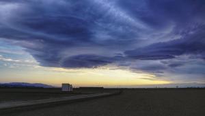 Sortida de sol entre núvols al Delta de l'Ebre dilluns