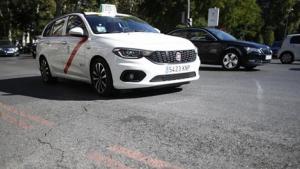 El taxista ha sido agredido después de intentar bloquear la huida a los clientes