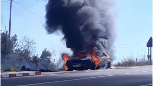 El vehicle s'ha calcinat completament a la carretera T-223 a la Secuita