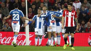Els futbolistes de l'Espanyol celebren el gol de Ferreyra
