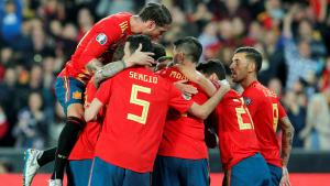 Els jugadors d'Espanya celebren un dels gols contra Noruega.