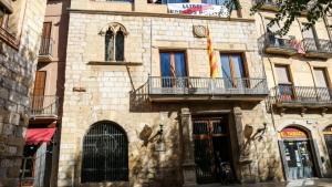 Façana de l'Ajuntament de Montblanc.