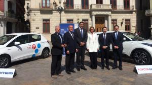 Firma de l'acord de col·laboració entre l'Ajuntament de Reus i Toyota per realitzar la primera prova pilot del projecte Yuko