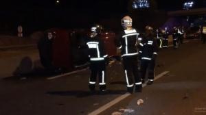 Imagen de los servicios de emergencias trabajando en el lugar de uno de los accidentes