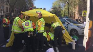Imagen del lugar del atropello de una mujer en Madrid