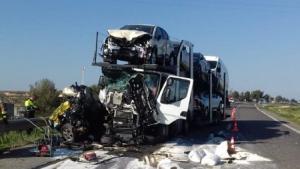 Imatge de l'accident de l'A-2 d'aquest divendres, on ha mort una persona