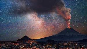 Imatge de l'erupció del volcà Popocatépetl