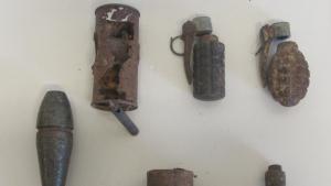 Imatge de les bombes i les granades decomissades per la Guàrdia Civil
