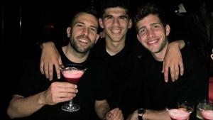 Jordi Alba va celebrar la seva renovació de contracte amb els seus companys