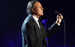 Julio Iglesias durant un dels seus concerts
