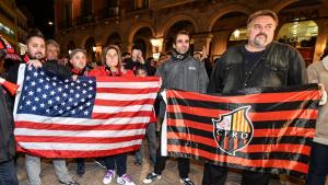 La bandera dels EEUU no ha faltat a la cita, al costat de la del CF Reus