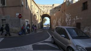 L'Ajuntament de Tarragona va prometre una pilona al portal de Sant Antoni, però encara no s'ha instal·lat.