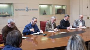 L'alcalde Alfredo Vega firma un conveni amb diversos instituts de Terrassa