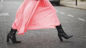 Las faldas midi seguirán reinando todo el 2019